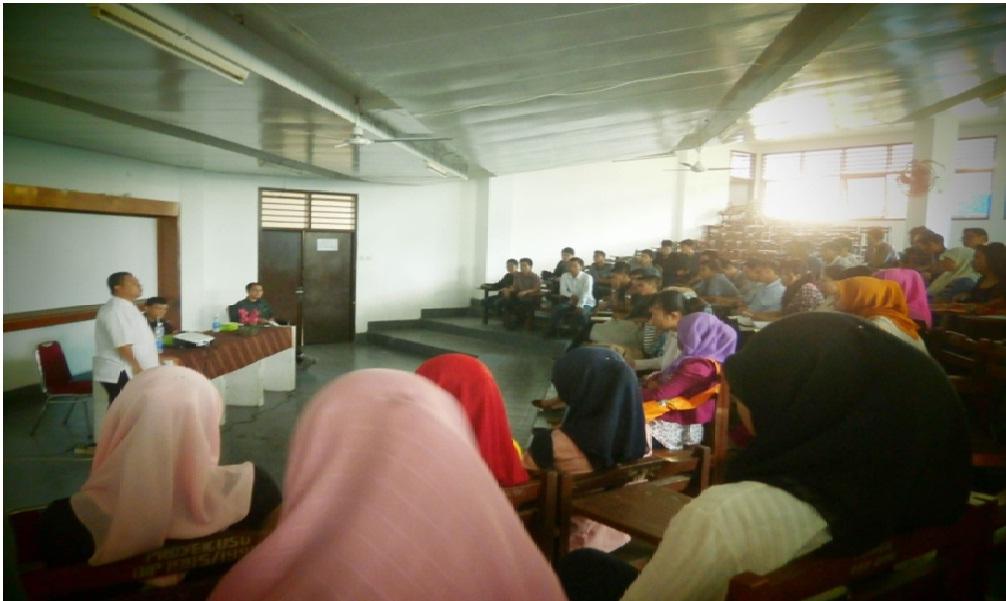 Saat acara berlangsung, peserta sangat antusias dalam mengikuti acara. Seminar yang bersifat dialog ini memberikan peluang kepada peserta untuk bertanya.