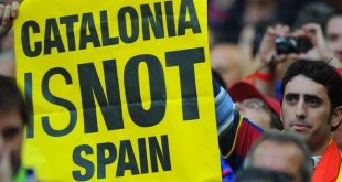 pancarta-Catalonia-Spain-Wembley-AFP_ARAIMA20110528_0109_10-e1347698562888(2)