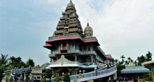 Nuansa kuil pada gereja Graha Maria Annai Velangkanni