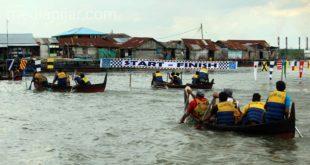 Lomba Dayung untuk Nelayan