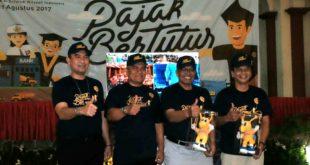 Foto bersama dengan kanwil DJP Sumut I di Gelanggang Mahasiswa USU dalam kegiatan Pajak Bertutur yang diselenggarakan serempak diseluruh Indonesia (11/8)