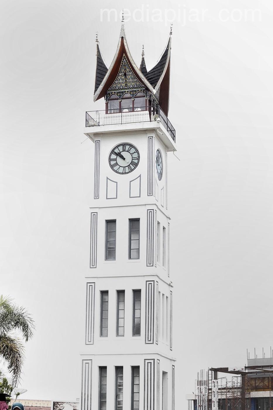 Setinggi Mimpi , Sebesar Waktu (Lokasi: Jam Gadang Bukit Tinggi, Sumatera Barat). ( Fotografer : Muhammad Abdul Fattah )