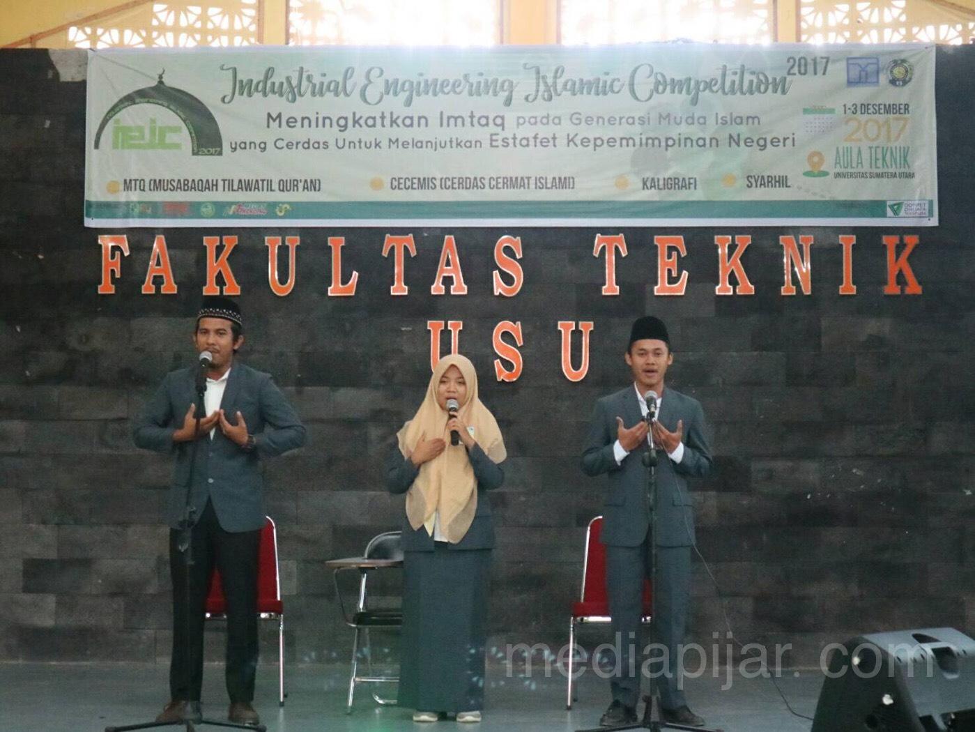 Penyampaian tata cara penilaian oleh dewan juri di Aula Teknik USU (2/12). (Fotografer: Fatin Faiza Siregar)