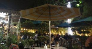 Sensasi Timur Tengah di Kembar Café