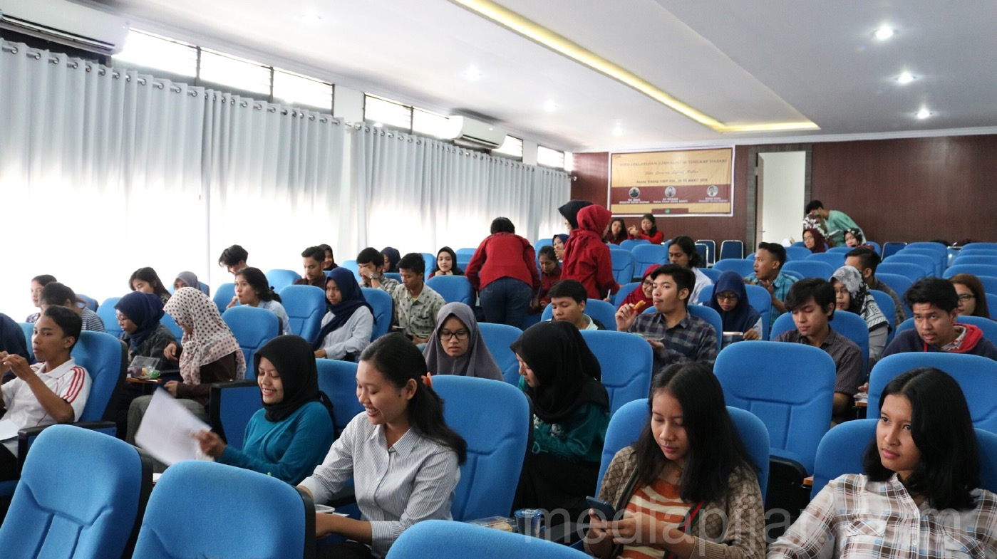 Suasana Pelatihan Jurnalistik Tingkat Dasar Hari pertama di Ruang Sidang FISIP USU (28/3). (Fotografer: Dwi Harizki)