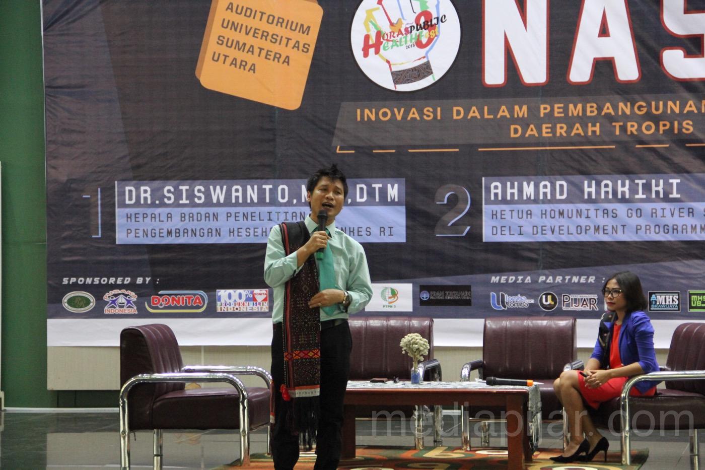Prof. DR. Ir. Albiner Siagian M.Si memberikan materi tentang kelanjutan SDGs di tahun 2030 dalam acara Seminar Nasional Horas Public Fest 3 (5/5). (Fotografer: Rere Reviansyah)