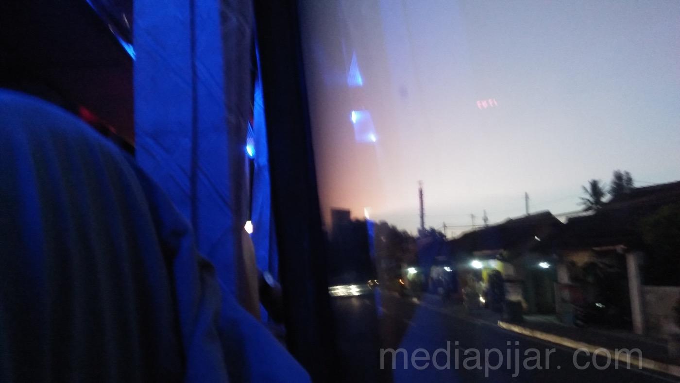 """""""Pada senja di sore hari"""" (Fotografer: Nadya Divaris)"""