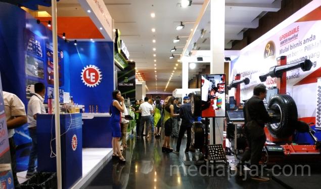Sejumlah merek pendukung Industri Otomotif yang turut hadir di GIIAS 2018 Medan. (01/11) (Fotografer: Azka Fikri)