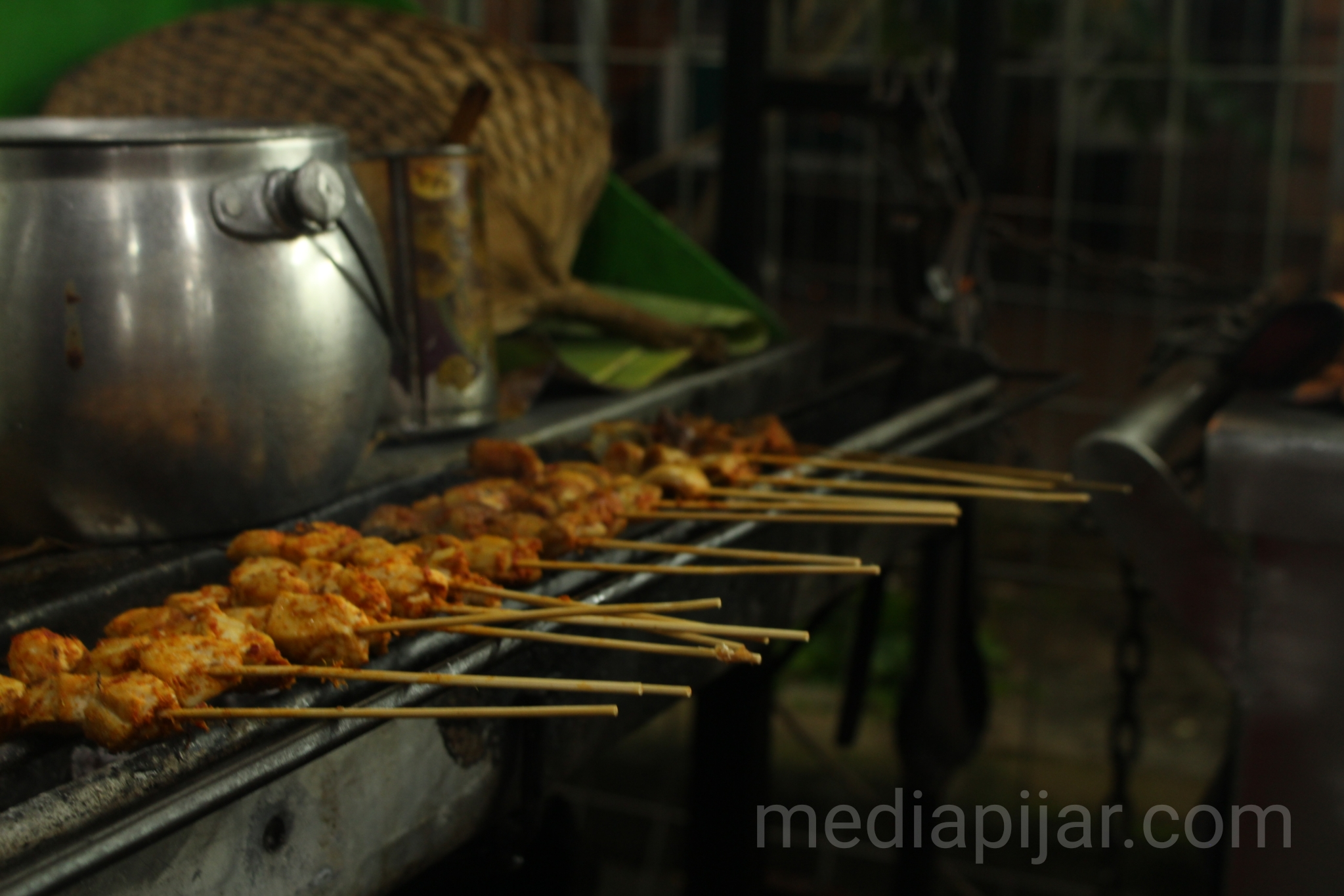 Sate Padang penuh cita rasa. (Fotografer: Hidayat Sikumbang)