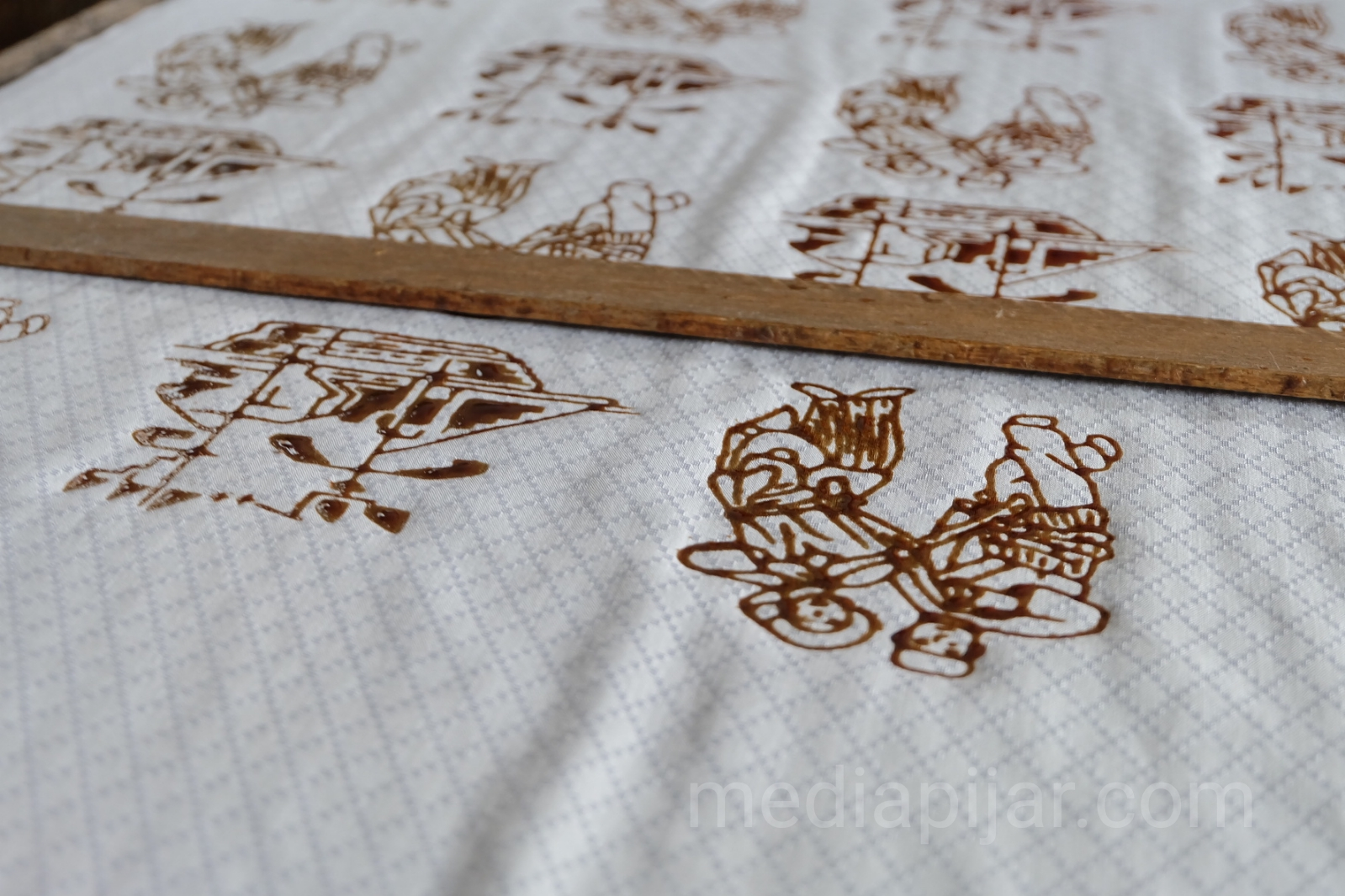 Hasil pada Batik Cap untuk membuat Batik Melayu.  (Fotografer: Putri Arum Marzura)