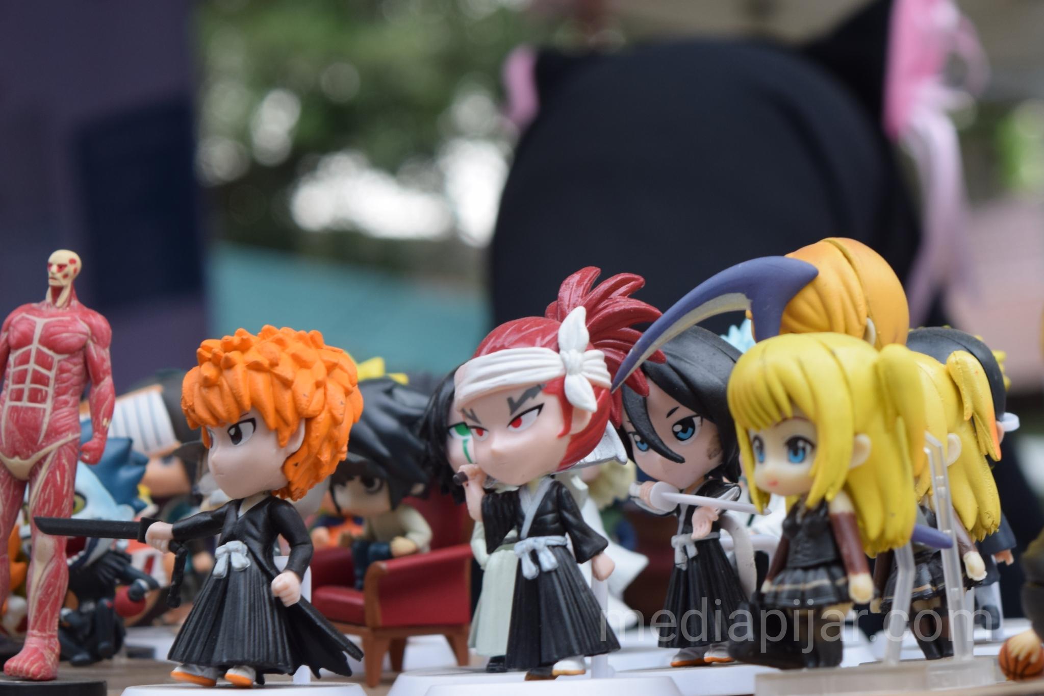 Action Figure dari anime-anime Jepang dalam acara Little Akihabara. (17/3) (Fotografer: Kartika Oktarija)