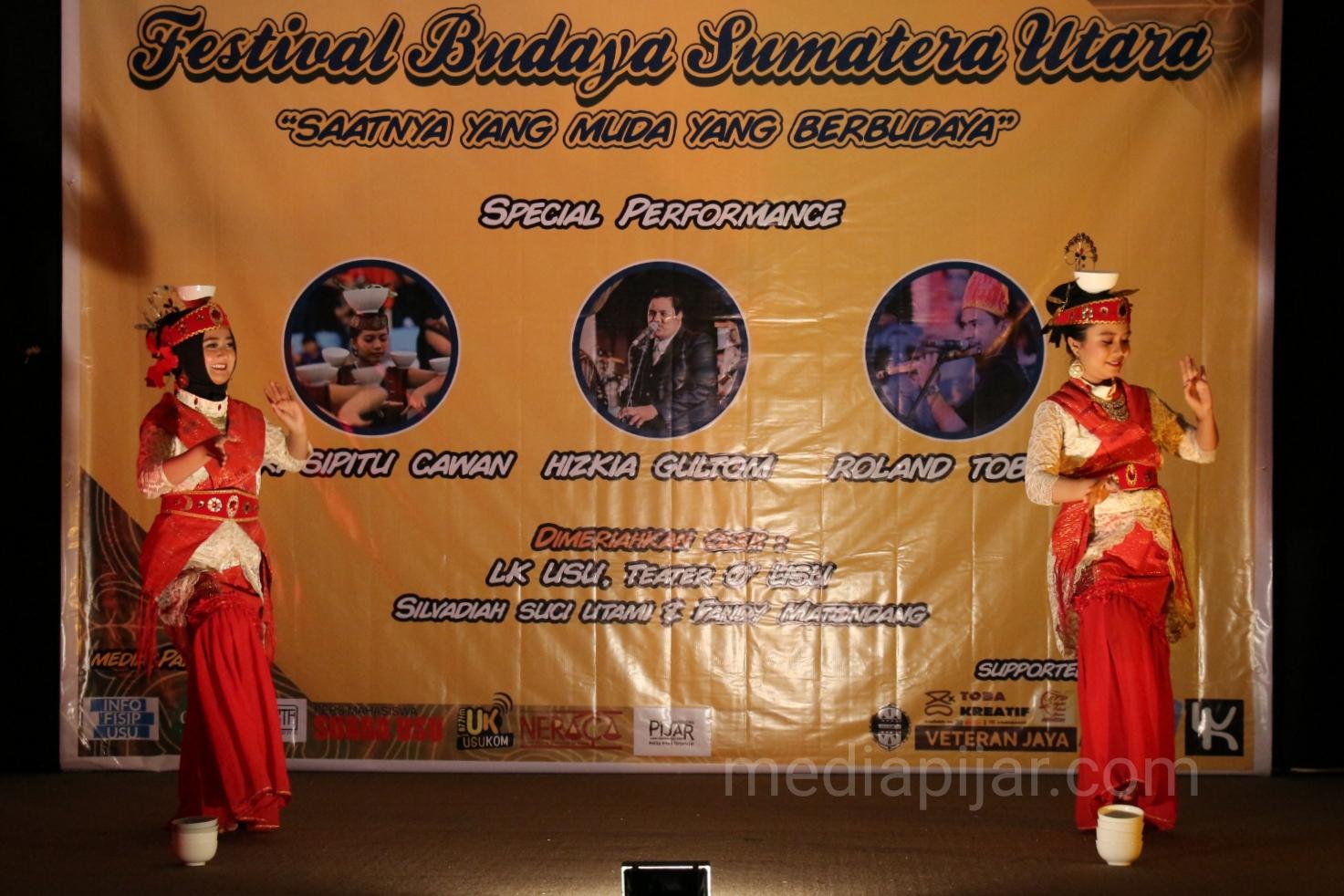 Tari Sipitu Cawan menjadi penampilan puncak pada Festival Budaya Sumatera Utara (27/03). (Fotografer: Ade Khairani)