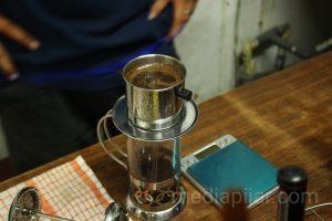 Kopi sebagai satu-satunya menu untuk mongkrong di Spirit books and coffe. (Fotografer: Mhd. Abdul Fattah)