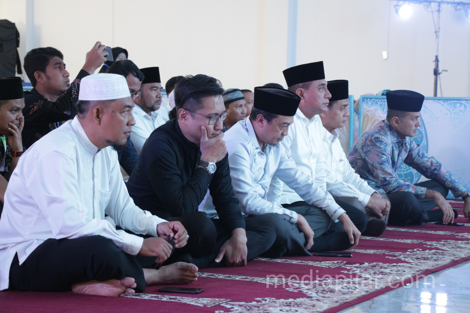 Gubernur Sumatera Utara, Edy Rahmayadi (tiga dari kiri) menghadiri Hijrahfest di Medan pada Jumat (5/4/2019) bersama Wakilnya, Musa Rajekshah. (Fotografer: Hidayat Sikumbang)