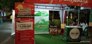 Stan/ booth infaq digital dan tempat games lucky ball pada acara Binjai Food. (25/5)  (Fotografer: Erizki Maulida)