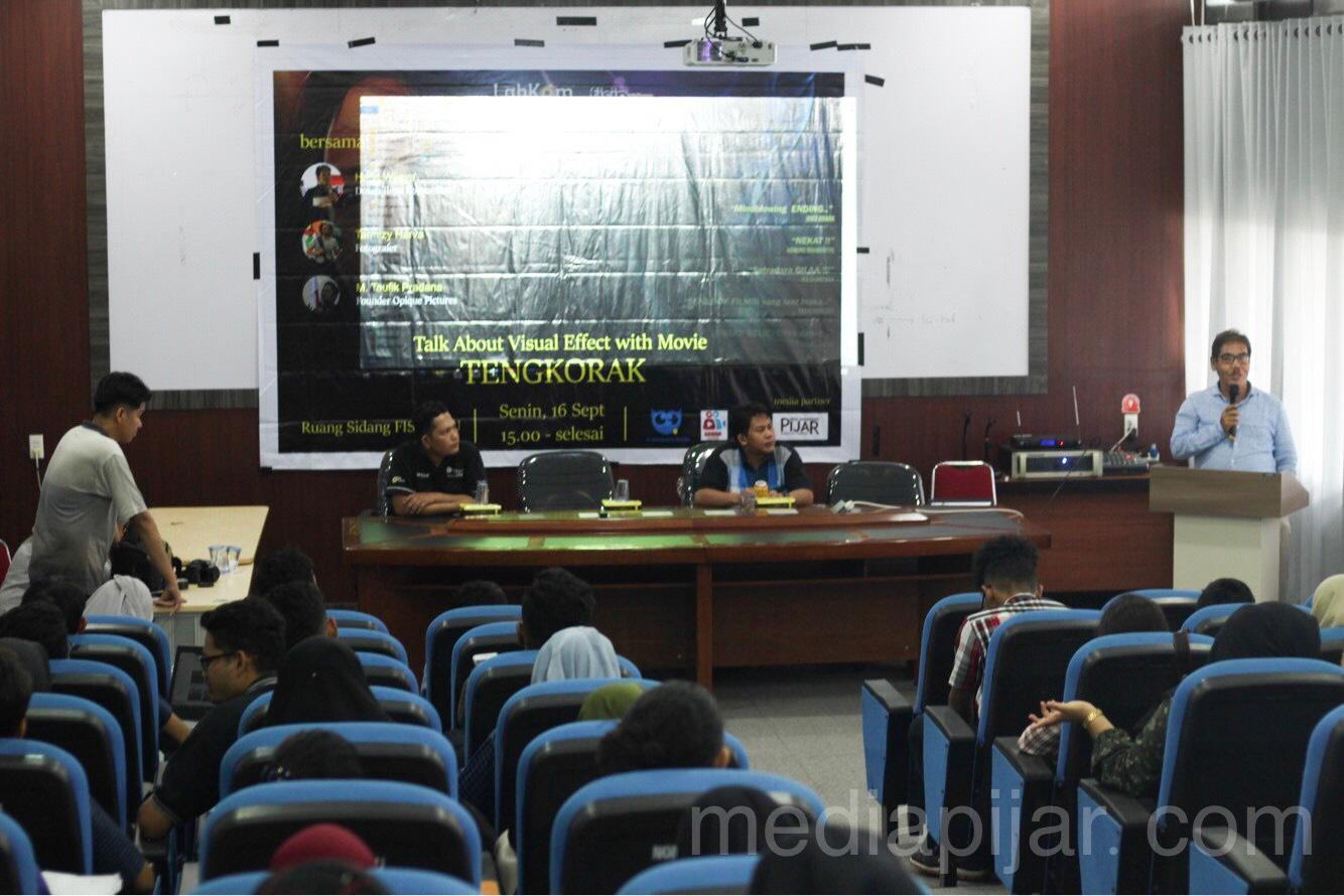 Kata sambutan dari Ketua LabKom dalam acara Talk About Visual FX With Movie Tengkorak (17/9) Fotografer: Nadya Divariz