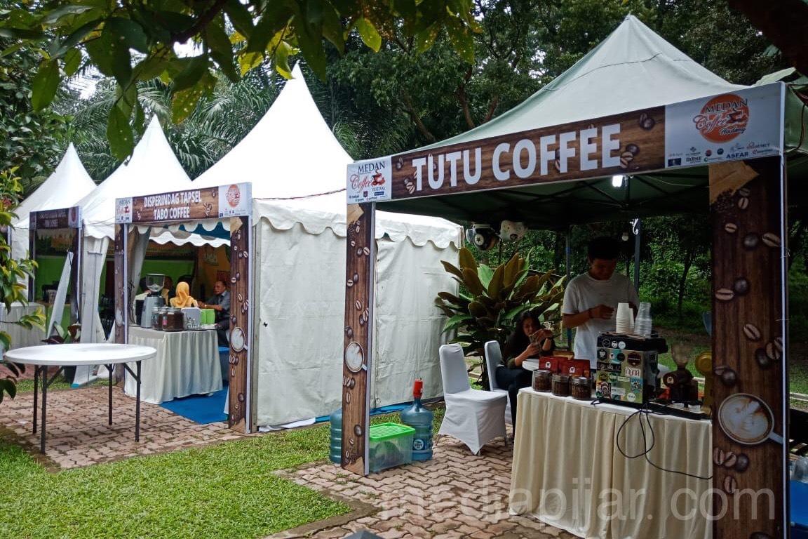 Beberapa gerai kopi turut meramaikan acara Medan International Coffee Festival 2019 (26/10) Fotografer: Aisha Tania Sinantan Sikoko