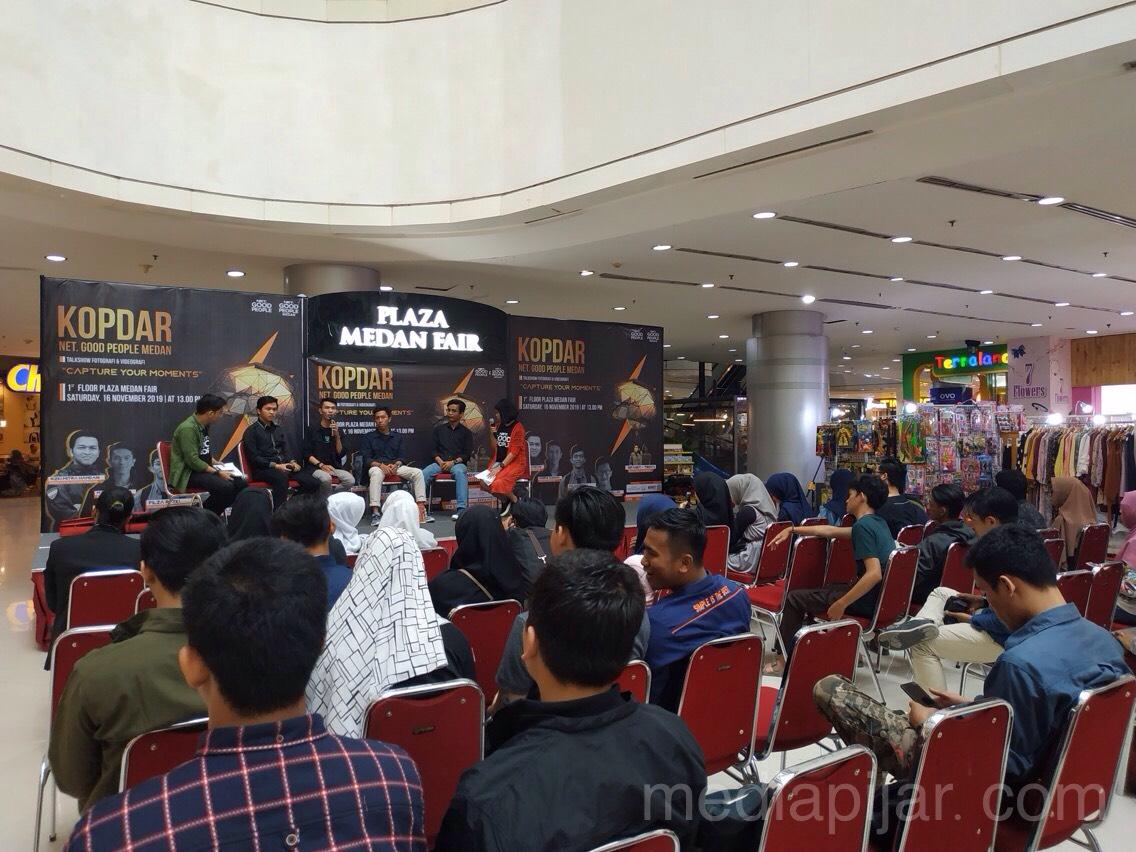 Suasana Gelar wicara Fotografi dana Videografi di Lantai 1 Plaza Medan Fair (16/10). Fotografer: Azka Fikri