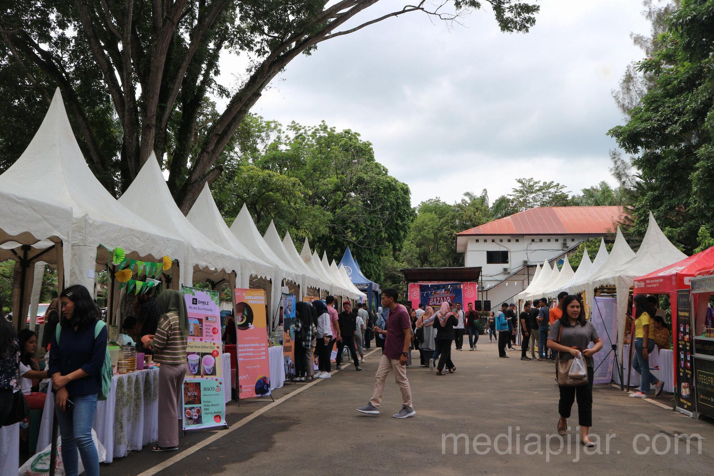 Suasana bazar BWP 2019 hari ketiga di FISIP USU (13/11) Fotografer : Syafira Pohan