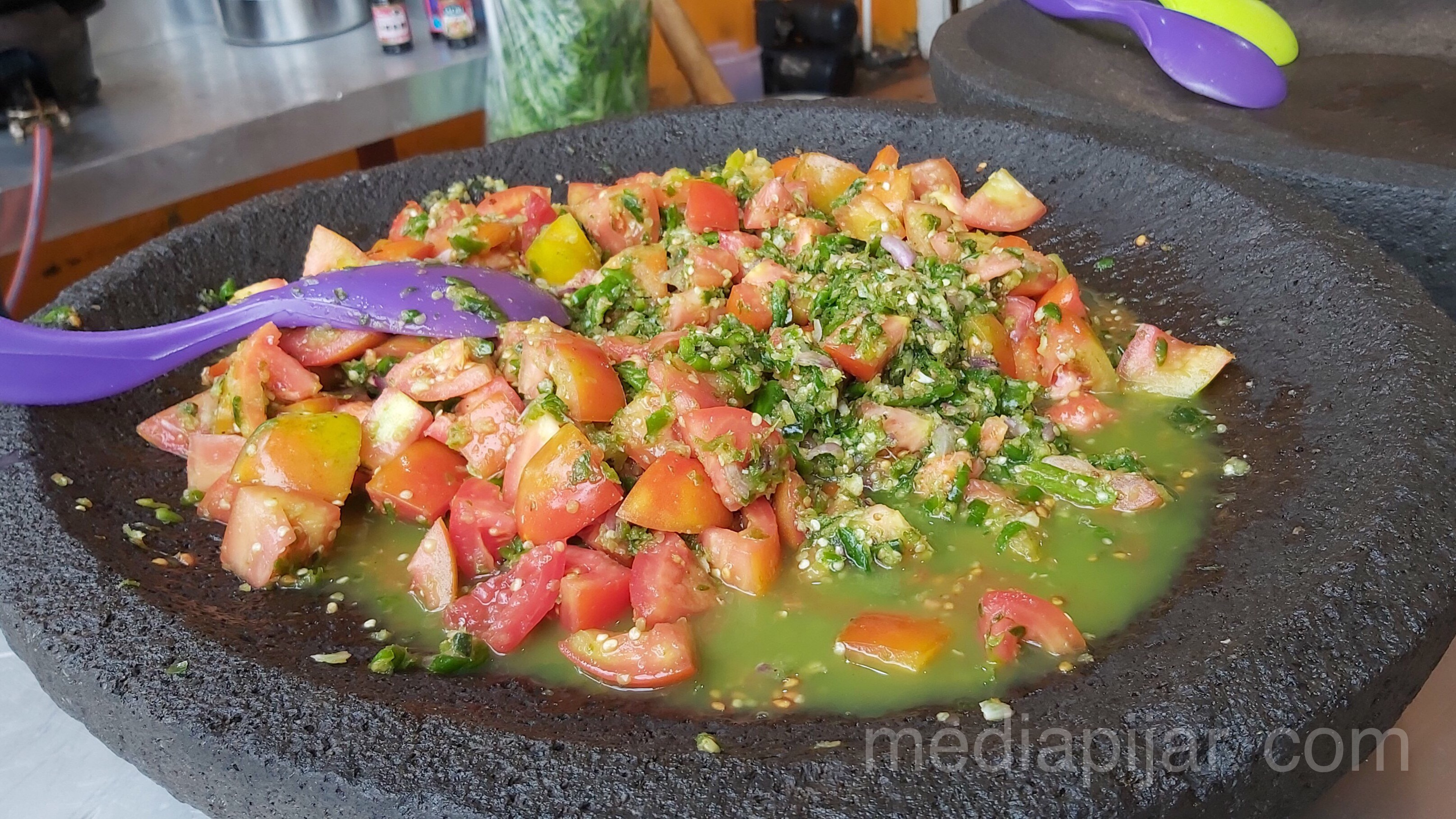 Sambal Pecak yang menjadi andalan menu Ayam Pecak. (Fotografer: Savira Dina)