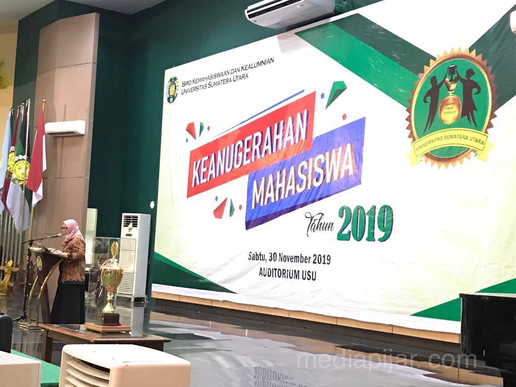 Malam Keanugerahan Mahasiswa di Auditorium Universitas Sumatera Utara  (30/11) Fotografer: Erika Sihite