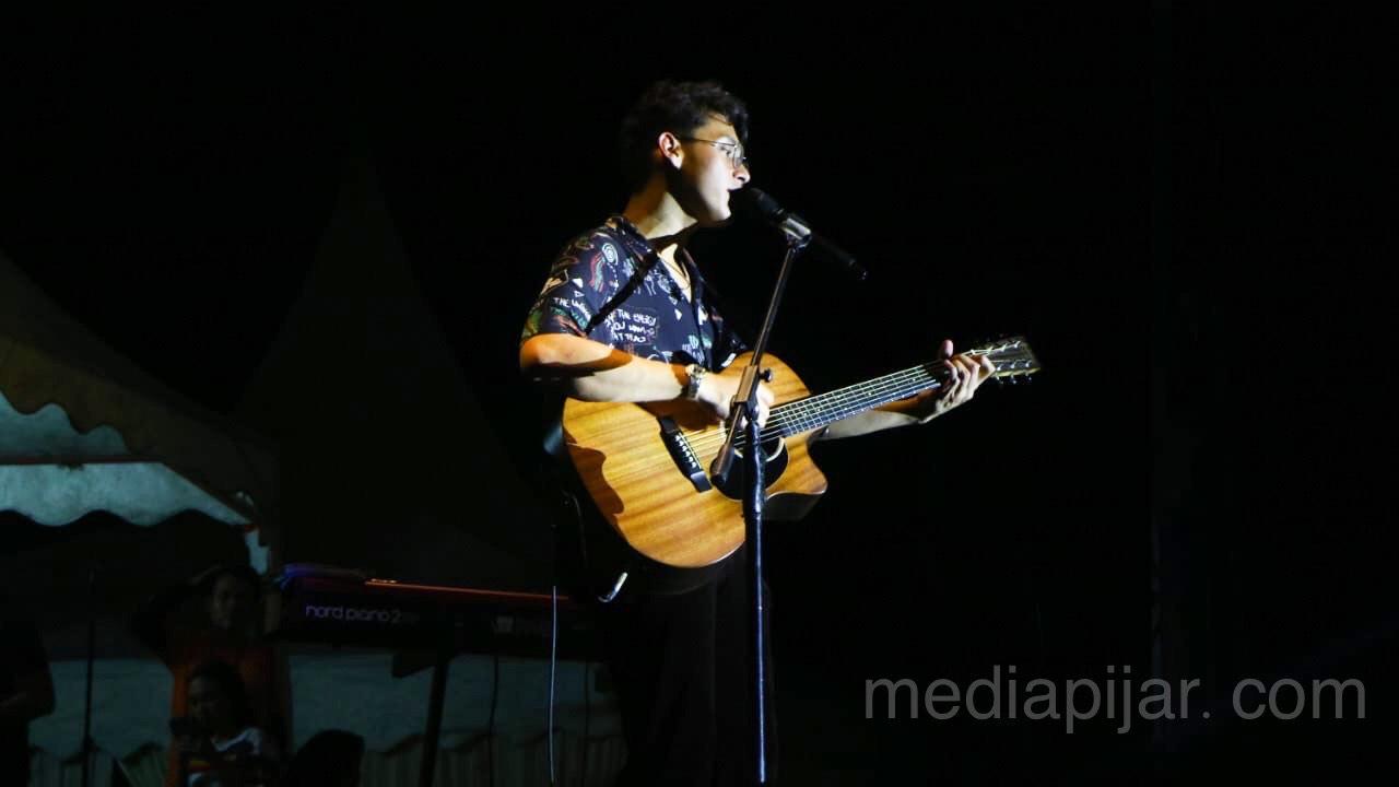 Penampilan Ardhito Pramono, Guest Star Communication Festival 2020 (8/9) Fotografer: Johns Napitupulu