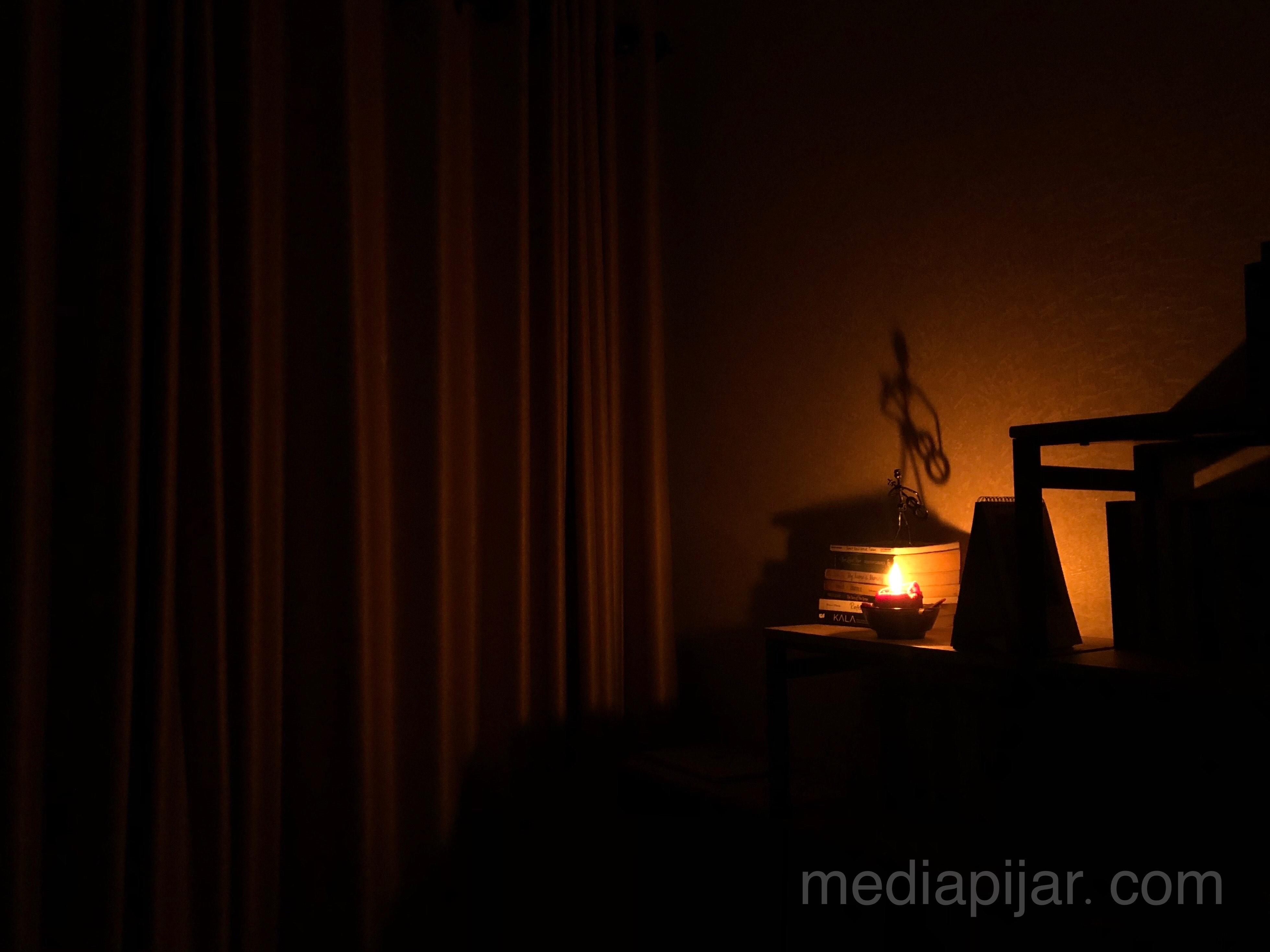 """Dalam gelap, kutemukan terangku"" (Fotografer: Frans Dicky Naibaho)"