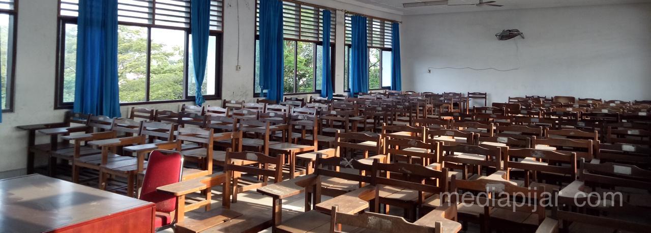 Kondisi terbaru salah satu ruangan di Universitas Sumatera Utara setelah 6 bulan diterpa pandemi Covid-19 (6/10) Fotografer: Suryani Agata Sitanggang